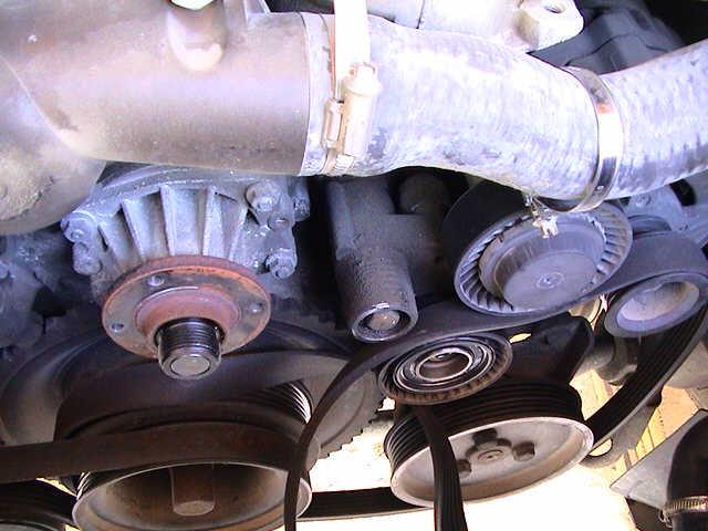 Cambio bomba y termostato en e36 6l gasolina for Cambiar bomba de agua